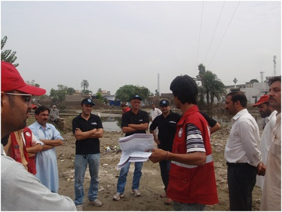 Telenor Pakistan Management Helps Flood Victims