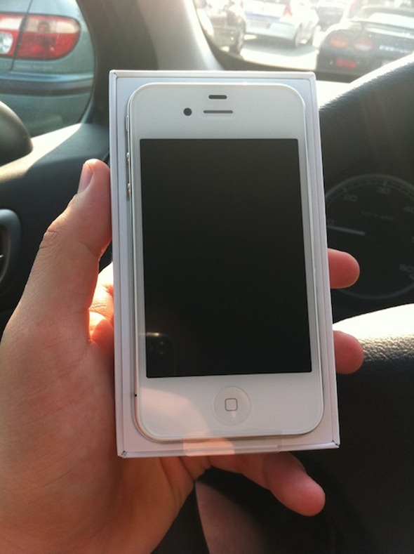 White iPhone 4 1
