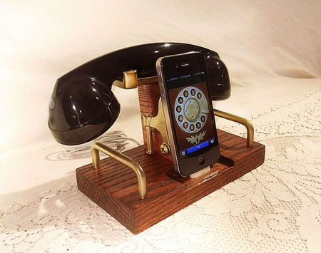 iPhone Dock and Handset